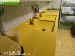 Doppelwaschtisch auf Mass im Rapsgelb RAL 1021 mit 2 eckigen ARCTIC Waschbecken