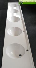 Umyvadlova deska Flexible47 3cm zadni soklik_5 umyvadel CORNER 32_Waschtisch auf Mass_Mramorovy efekt sro